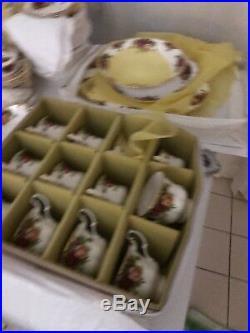 101 piece Royal Albert Country Roses Set