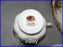 12 Royal Albert Old Country Roses Bone China Snack Luncheon Plates with 12 Cups
