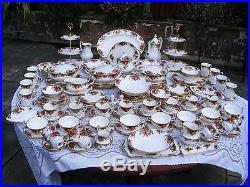 155 piece Royal Albert OLD COUNTRY ROSES dinner service