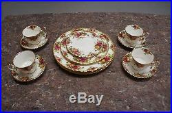 16 Piece Royal Albert Old Country Roses Bone China Dinnerware & Tea With Gold Trim