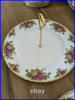 1962 Royal Albert Old Country Roses 200+ Piece Lot