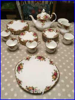 27 Piece Royal Albert Old Country Roses Tea Set