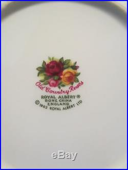 32 pcs Royal Albert Old Country Roses 1962 England, 6 pc serv for 4 Rim Bowls