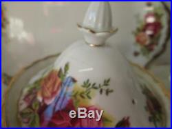 43pc Royal Albert Old Country Roses Montrose Shape Tea Set
