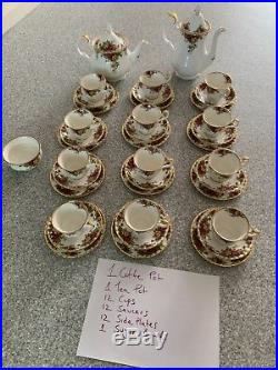59 Piece Royal Albert Old Country Roses 1962 Combined Dinner & Tea Set $1600