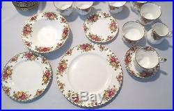 78 pcs Royal Albert Old Country Roses 1962 Made in England, 6 pc serv for 10