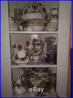 79 piece Royal Albert Old Country Roses China service for eight with many extras