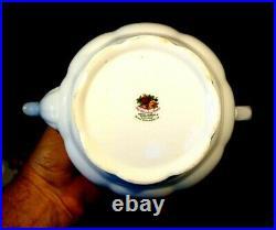Beautiful Royal Albert Old Country Roses Large Teapot