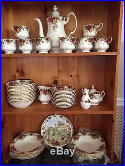 HUGE 94 pcs Royal Albert Old Country Roses 1962 Made in England, service for 12