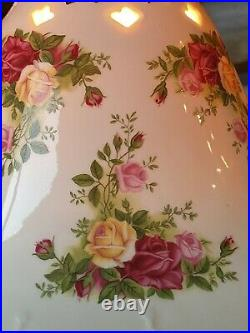 NWT Porcelain Royal Albert Old Country Rose Lamp 16 tall