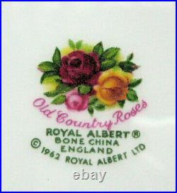 New in Box Royal Albert Old Country Roses 4 Place Settings 20 Pcs