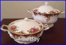 OLD COUNTRY ROSES 121 PIECE ROYAL ALBERT England 1962 Mixed set Excellent China