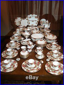 Old Country Roses Large 123 Piece China Set Royal Albert Porcelain Dinnerware A+ & Old Country Roses Large 123 Piece China Set Royal Albert Porcelain ...