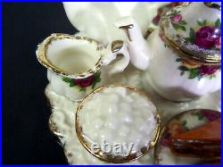 Old Country Roses Rare, Large Novelty Teapot, Gc, 1998, England, Royal Albert