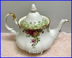 RARE ROYAL ALBERT OLD COUNTRY ROSES ENGLAND LARGE TEAPOT With GREEN ACCENT LID