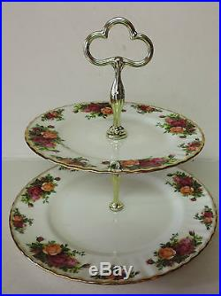 ROYAL ALBERT OLD COUNTRY ROSES 22 PC TEA SET WITH EXTRAS. STUNNING. FREE SHIPPING