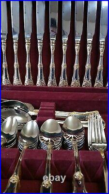 ROYAL ALBERT OLD COUNTRY ROSES 65 PIECE SILVER GOLD FLATWARE With CHEST