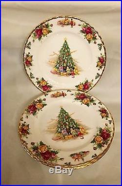 ROYAL ALBERT OLD COUNTRY ROSES CHRISTMAS MAGIC 4 Salad Plates England