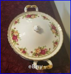 ROYAL ALBERT OLD COUNTRY ROSES COVERED VEGETABLE BOWL & LID Casserole