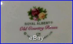 ROYAL ALBERT OLD COUNTRY ROSES Cat Kitten 7 inchTeapot England 1962 RARE
