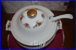 ROYAL ALBERT OLD COUNTRY ROSES LARGE COVERED SOUP TUREEN WithLADLE NEW