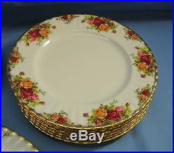Royal Albert Old Country Roses & Serving Pieces 42 Piece China Seating For 8