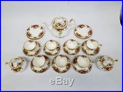 ROYAL ALBERT OLD COUNTRY ROSES TEA POT 2 SUGARs 7 Cup & Saucers + 7 Cake Plates