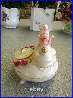 ROYAL ALBERT Old Country Roses Musical Telephone with Applied Roses