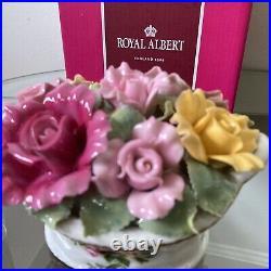 ROYAL ALBERT Old Country Roses NIB Music Box MINT