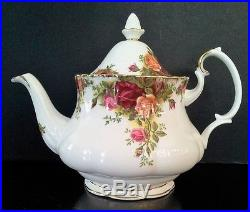 ROYAL ALBERT TEAPOT 6CUP OLD COUNTRY ROSES C1980S