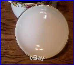 Rare! Large 7qt Royal Albert Old Country Rose Dutch Oven with Lid