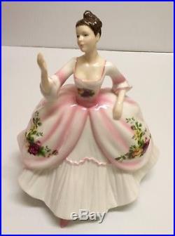 Rare Royal Doulton Royal Albert Old Country Roses Pretty Ladies Figurine Hn5026