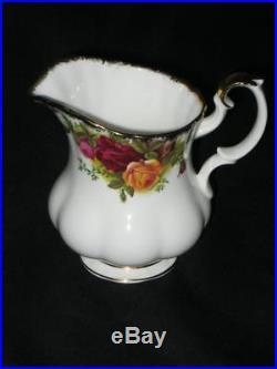 Royal Albert 21 Piece Old Country Roses Tea Service 2.25 pint (UK) Large Teapot