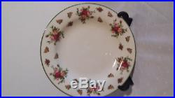 Royal Albert 30 piece, Old Country Roses (Casual Classics) Dinner Service