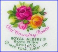 Royal Albert DOulton Old Country Roses 20 pieces Set For 4 England