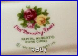 Royal Albert DOulton Old Country Roses 20 pieces place setting for 4