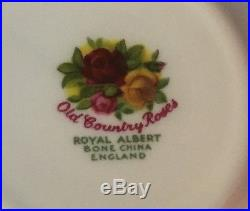 Royal Albert DOulton Old Country Roses 20 pieces place setting for 4 England