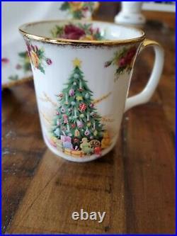 Royal Albert Doulton Old Country Roses Christmas Magic 3 Piece Setting