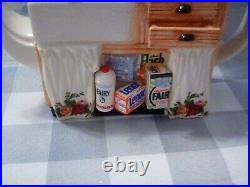 Royal Albert Earthenware Old Country Roses Tea Pot Laundry Theme