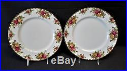 Royal Albert England Old Country Roses 8 Five Piece Place Settings (40 Pieces)