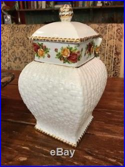Royal Albert OLD COUNTRY ROSES 1962 Cookie Jar Signed New Original Tag