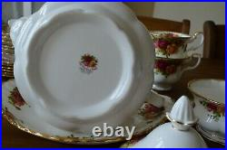 Royal Albert OLD COUNTRY ROSES 22 Piece Tea Set with Large Teapot