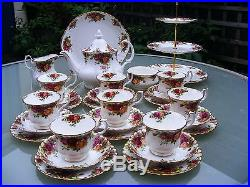 Royal Albert OLD COUNTRY ROSES 29 piece tea set 1st quality