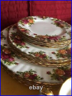 Royal Albert OLD COUNTRY ROSES 5 Piece Set 4 PLACE SETTINGS 20 Piece Set