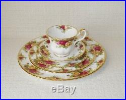 Royal Albert OLD COUNTRY ROSES China 20 Piece Set/Service for 4