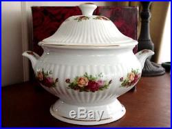 Royal Albert OLD COUNTRY ROSES Footed Soup Tureen NEW