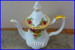 Royal Albert Old Country Roses 16 piece coffee set good condition