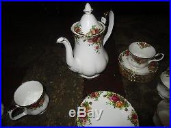 Royal Albert Old Country Roses 1962 49 PC SET 6 PLACE SETTINGS With EXTRAS