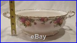 Royal Albert Old Country Roses 1962 England Round Covered Vegetable Dish