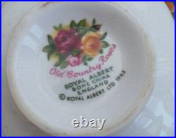 Royal Albert Old Country Roses 19 Piece Coffee Set. 0riginal 1962